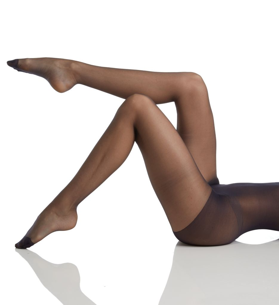 Hanes Silk Reflections Sheer Reinforced Toe Pantyhose 716